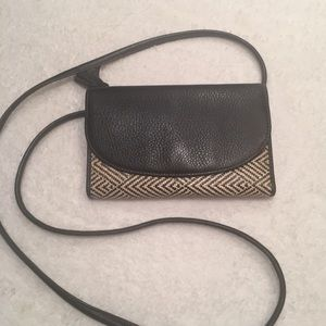 FOSSIL  CLUTCH BAG WITH REMOVABLE CROSSBODY STRAP